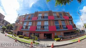 Apartamento En Ventaen Bogota, Nueva Autopista, Colombia, CO RAH: 19-1148
