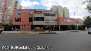 Apartamento En Ventaen Bogota, Colina Campestre, Colombia, CO RAH: 19-1158