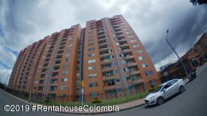 Apartamento En Ventaen Bogota, Hayuelos, Colombia, CO RAH: 19-1181