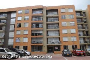 Apartamento En Arriendoen Chia, Sabana Centro, Colombia, CO RAH: 19-1201