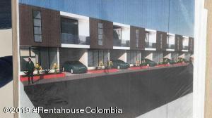 Casa En Ventaen Fusagasuga, Vereda Fusagasuga, Colombia, CO RAH: 19-1208