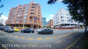 Apartamento En Arriendoen Bogota, Santa Bárbara, Colombia, CO RAH: 19-1250