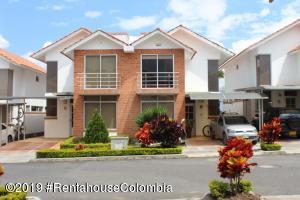Casa En Ventaen Fusagasuga, Vereda Fusagasuga, Colombia, CO RAH: 19-1260