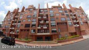 Apartamento En Arriendoen Bogota, Rincón Del Chicó, Colombia, CO RAH: 19-1266
