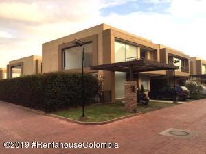 Casa En Arriendoen Cajica, Vereda Canelon, Colombia, CO RAH: 19-1275