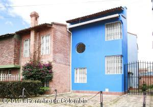 Casa En Ventaen Chia, San Francisco, Colombia, CO RAH: 19-1285