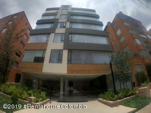 Apartamento En Ventaen Bogota, Chico Navarra, Colombia, CO RAH: 19-1290