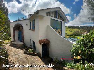 Casa En Arriendoen Bogota, Via A La Calera, Colombia, CO RAH: 19-1293