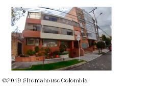 Apartamento En Ventaen Bogota, Santa Barbara Central, Colombia, CO RAH: 19-1297