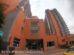 Apartamento En Arriendoen Bogota, Chapinero Alto, Colombia, CO RAH: 19-1331