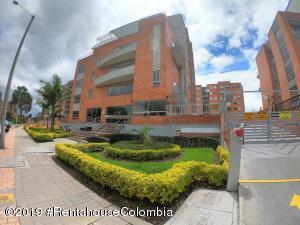 Apartamento En Ventaen Bogota, Mazuren, Colombia, CO RAH: 19-1245