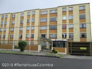 Apartamento En Ventaen Bogota, Villa Alsacia, Colombia, CO RAH: 19-1339