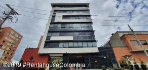 Oficina En Ventaen Bogota, Cedritos, Colombia, CO RAH: 19-1345