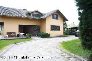 Terreno En Ventaen Chia, Vereda Bojaca, Colombia, CO RAH: 19-1360