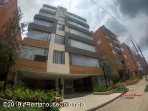 Apartamento En Arriendoen Bogota, Chico Navarra, Colombia, CO RAH: 20-15