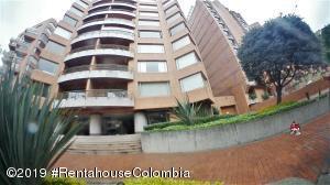 Apartamento En Arriendoen Bogota, Los Rosales, Colombia, CO RAH: 20-23