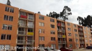 Apartamento En Ventaen Cajica, Capellania, Colombia, CO RAH: 20-28