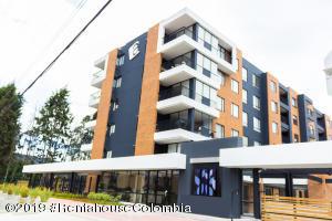 Apartamento En Ventaen Cajica, Calahorra, Colombia, CO RAH: 20-44