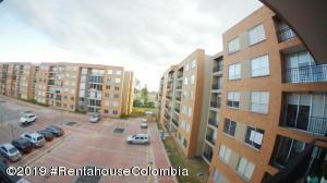 Apartamento En Ventaen Chia, Sabana Centro, Colombia, CO RAH: 20-58