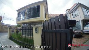 Casa En Arriendoen Chia, 20 De Julio, Colombia, CO RAH: 20-75