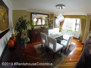 Apartamento En Arriendoen Bogota, Santa Barbara Central, Colombia, CO RAH: 20-82