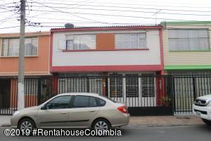 Casa En Ventaen Zipaquira, Liberia, Colombia, CO RAH: 20-90