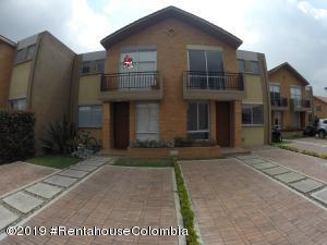 Casa En Ventaen Cajica, La Estacion, Colombia, CO RAH: 20-94