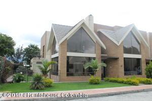 Casa En Ventaen Cajica, Piedra Roja, Colombia, CO RAH: 20-144