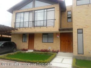 Casa En Ventaen Cajica, Calahorra, Colombia, CO RAH: 20-143