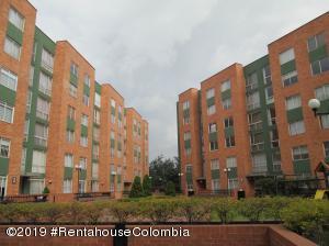 Apartamento En Ventaen Bogota, Modelia, Colombia, CO RAH: 20-215