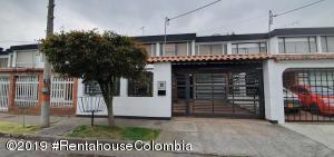 Casa En Ventaen Bogota, Las Villas, Colombia, CO RAH: 20-221