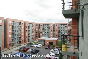 Apartamento En Arriendoen Chia, Vereda Bojaca, Colombia, CO RAH: 20-237