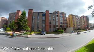 Apartamento En Arriendoen Bogota, Cedritos, Colombia, CO RAH: 20-254
