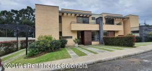 Casa En Arriendoen Cajica, Capellania, Colombia, CO RAH: 20-278