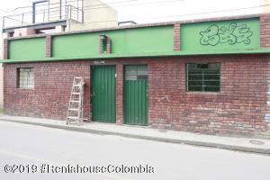 Casa En Ventaen Chia, 20 De Julio, Colombia, CO RAH: 20-283