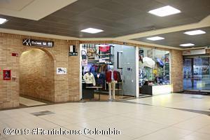 Local Comercial En Ventaen Chia, Santa Ana Chia, Colombia, CO RAH: 20-296