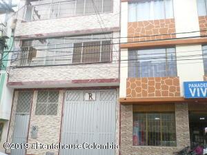 Casa En Ventaen Bogota, Lisboa, Colombia, CO RAH: 20-377