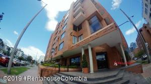 Apartamento En Arriendoen Bogota, Santa Bárbara, Colombia, CO RAH: 20-303