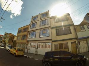 Casa En Ventaen Bogota, San Vicente, Colombia, CO RAH: 20-371