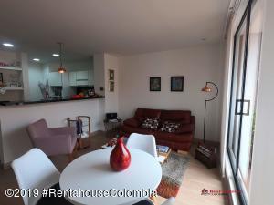 Apartamento En Arriendoen Bogota, San Patricio, Colombia, CO RAH: 20-375