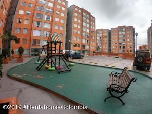 Apartamento En Ventaen Bogota, Mazuren, Colombia, CO RAH: 20-381