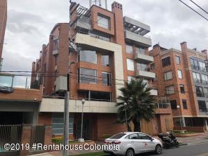 Apartamento En Arriendoen Bogota, Santa Barbara Occidental, Colombia, CO RAH: 20-499
