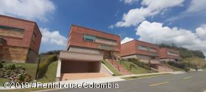Casa En Ventaen Envigado, Alto De Las Palmas, Colombia, CO RAH: 20-504