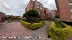 Apartamento En Ventaen Bogota, Portales Del Norte, Colombia, CO RAH: 20-517