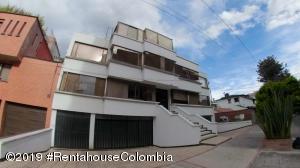Apartamento En Ventaen Bogota, Santa Barbara Occidental, Colombia, CO RAH: 20-526
