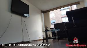 Apartamento En Arriendoen Bogota, Santa Helena, Colombia, CO RAH: 20-537