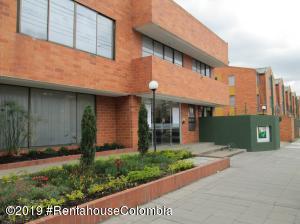 Casa En Ventaen Bogota, Villa Claudia, Colombia, CO RAH: 20-538