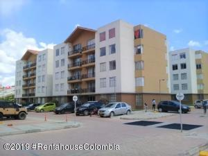 Apartamento En Ventaen Madrid, Hacienda Casablanca, Colombia, CO RAH: 20-547