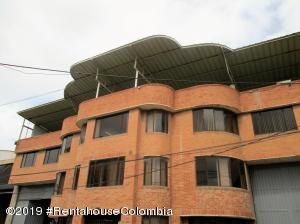 Bodega En Ventaen Bogota, El Tintal, Colombia, CO RAH: 20-562