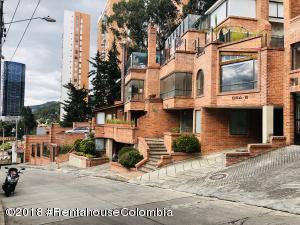 Apartamento En Ventaen Bogota, Bosque De Pinos, Colombia, CO RAH: 20-575